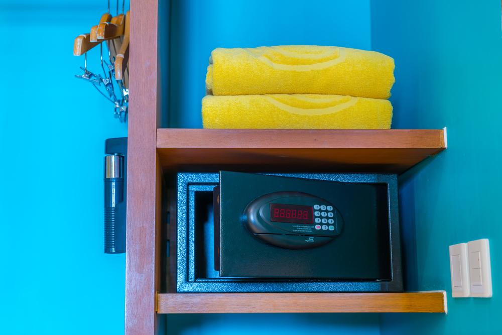 wertsachen im urlaub sicher verwahren. Black Bedroom Furniture Sets. Home Design Ideas